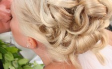 The Best Way to Find a Great Wedding Hair Stylist